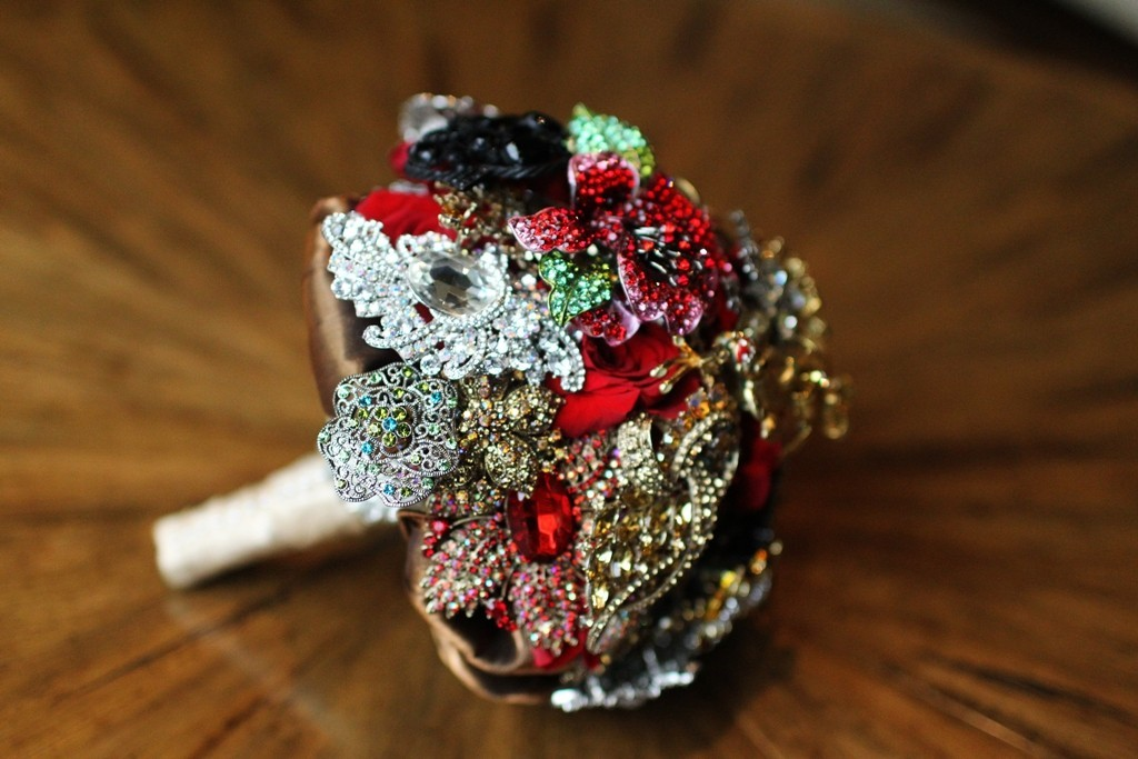 Ruby-red-bridal-brooch-bouquet.full