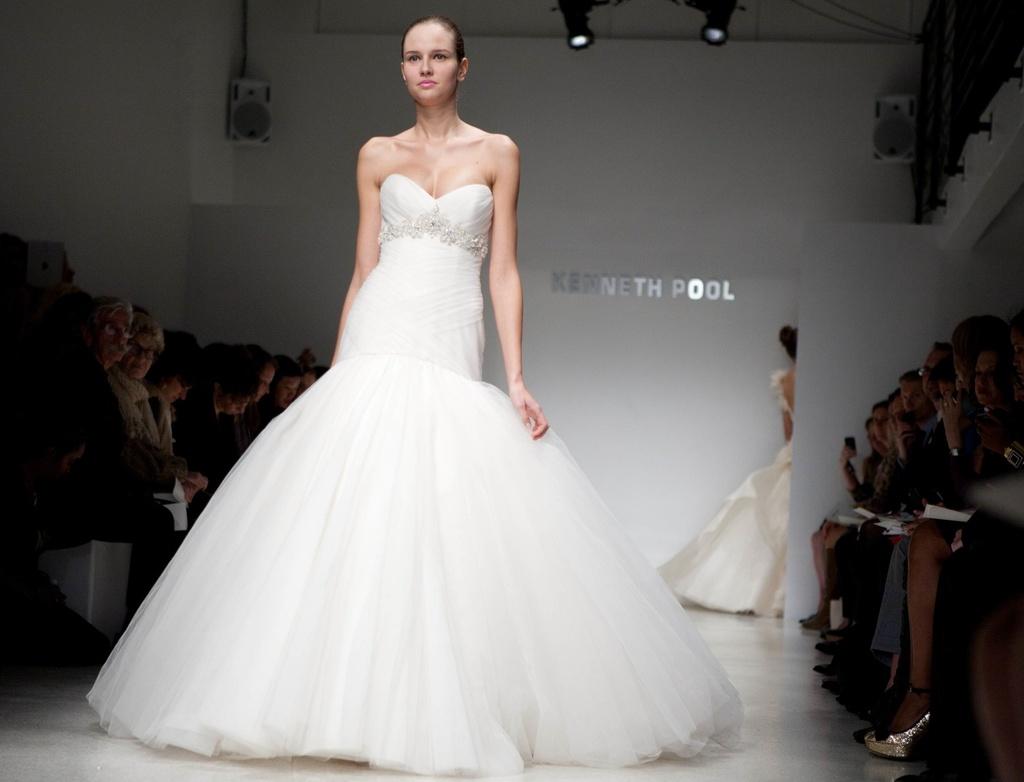Kenneth-pool-wedding-dress-2012-bridal-gowns-9.full