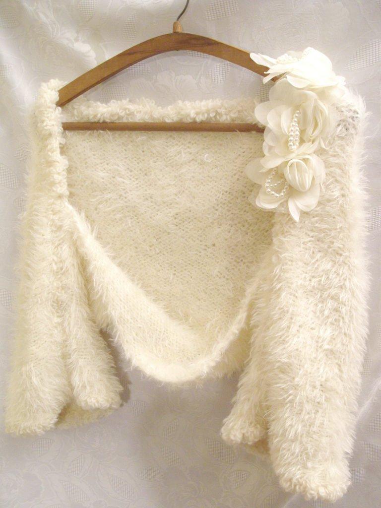 Fur-bridal-shrug-vintage-wedding-accessories.full