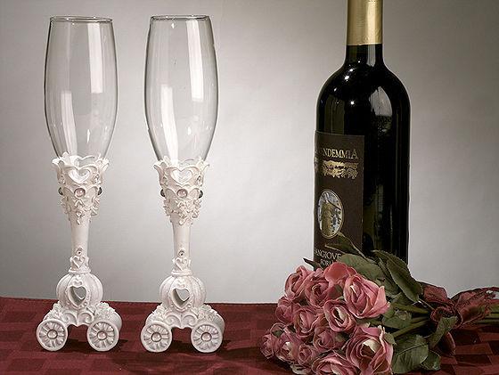 Fairy%20tale%20coach%20wedding%20toasting%20glasses.full