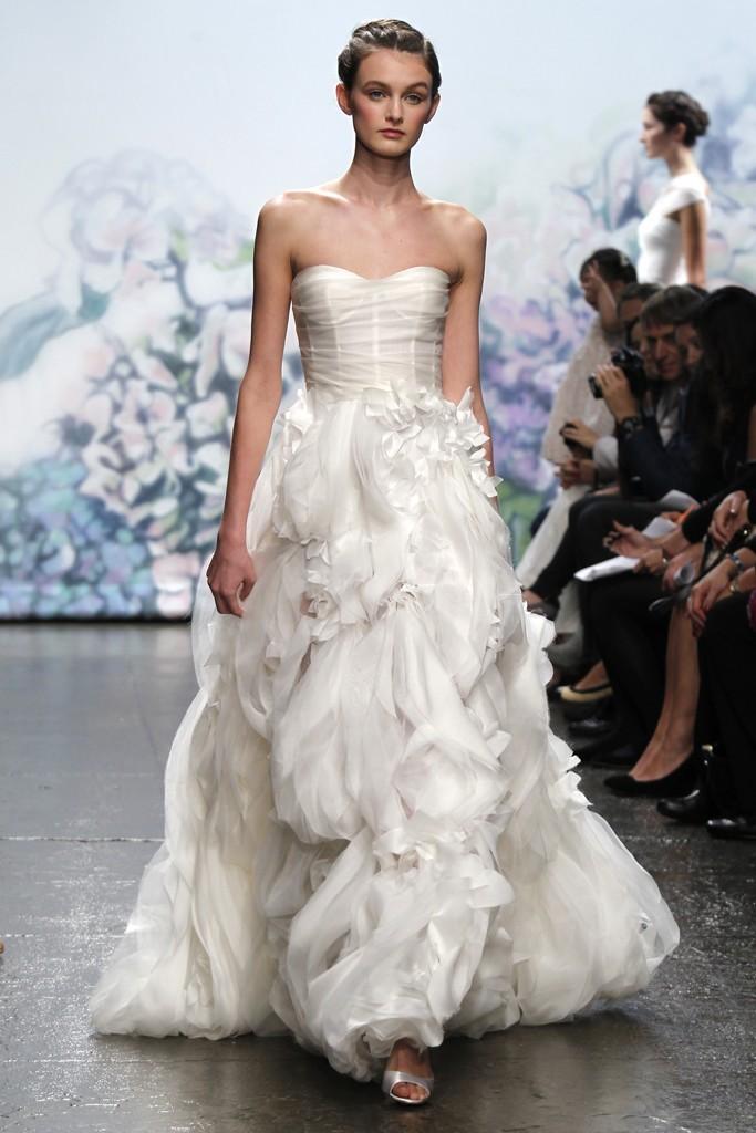 Wedding-dress-monique-lhuillier-fall-2012-bridal-gowns-14.full