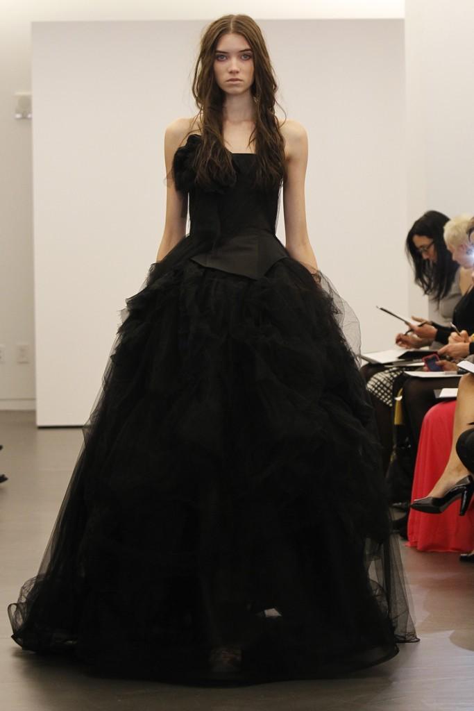Vera-wang-wedding-dress-fall-2012-bridal-gowns-15.full