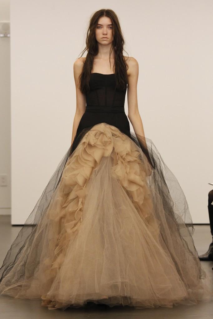 Vera-wang-wedding-dress-fall-2012-bridal-gowns-7.full