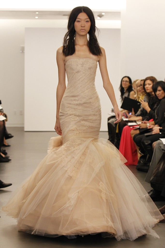 Black wedding dress by vera wang for Vera wang used wedding dress