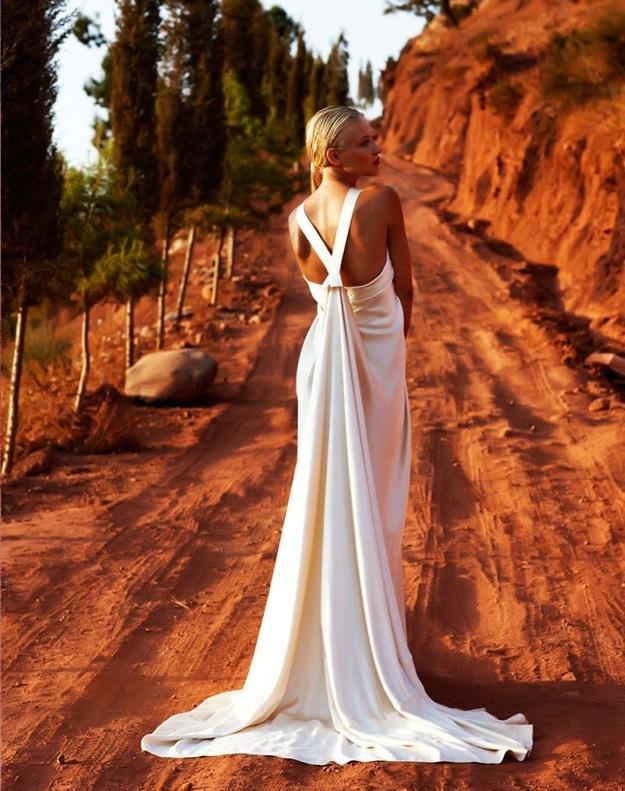 Wedding-dress-amanda-wakely-sposa-bridal-gowns-silk-charmeuse-v-back.full