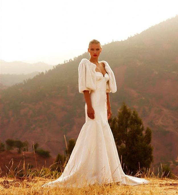 Wedding-dress-amanda-wakely-sposa-bridal-gowns-mermaid-fur-bolero.full