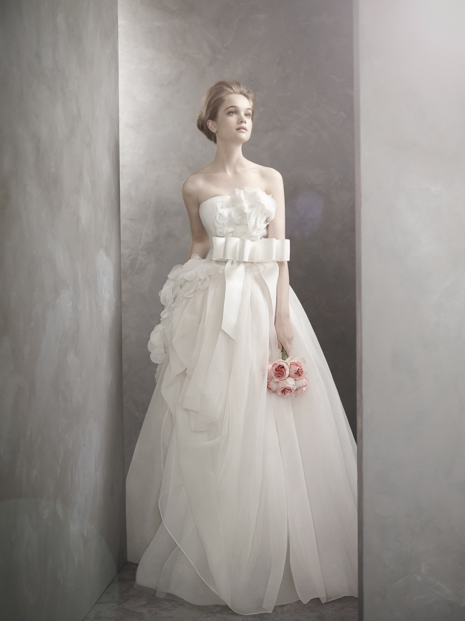 Romantic white by vera wang wedding dress for Vera wang wedding dresses prices