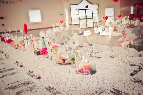 Retro love-themed wedding reception decor