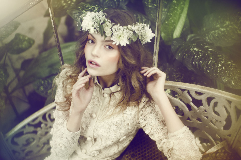 Ethereal-wedding-hair-and-makeup-for-romantic-bohemian-brides.full