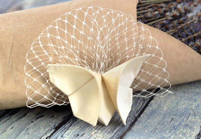 Ivory-birdcage-bridal-veil-with-origami-butterfly.full