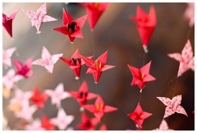 Red-origami-wedding-backdrop.full