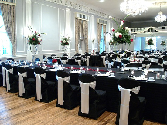 Black And White Wedding Captains Table