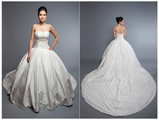 Angel Rivera wedding dress