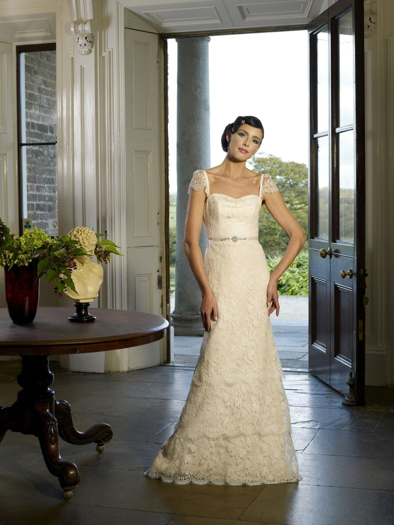 Salesa-wedding-dress-by-kathy-de-stafford-2013-bridal.full