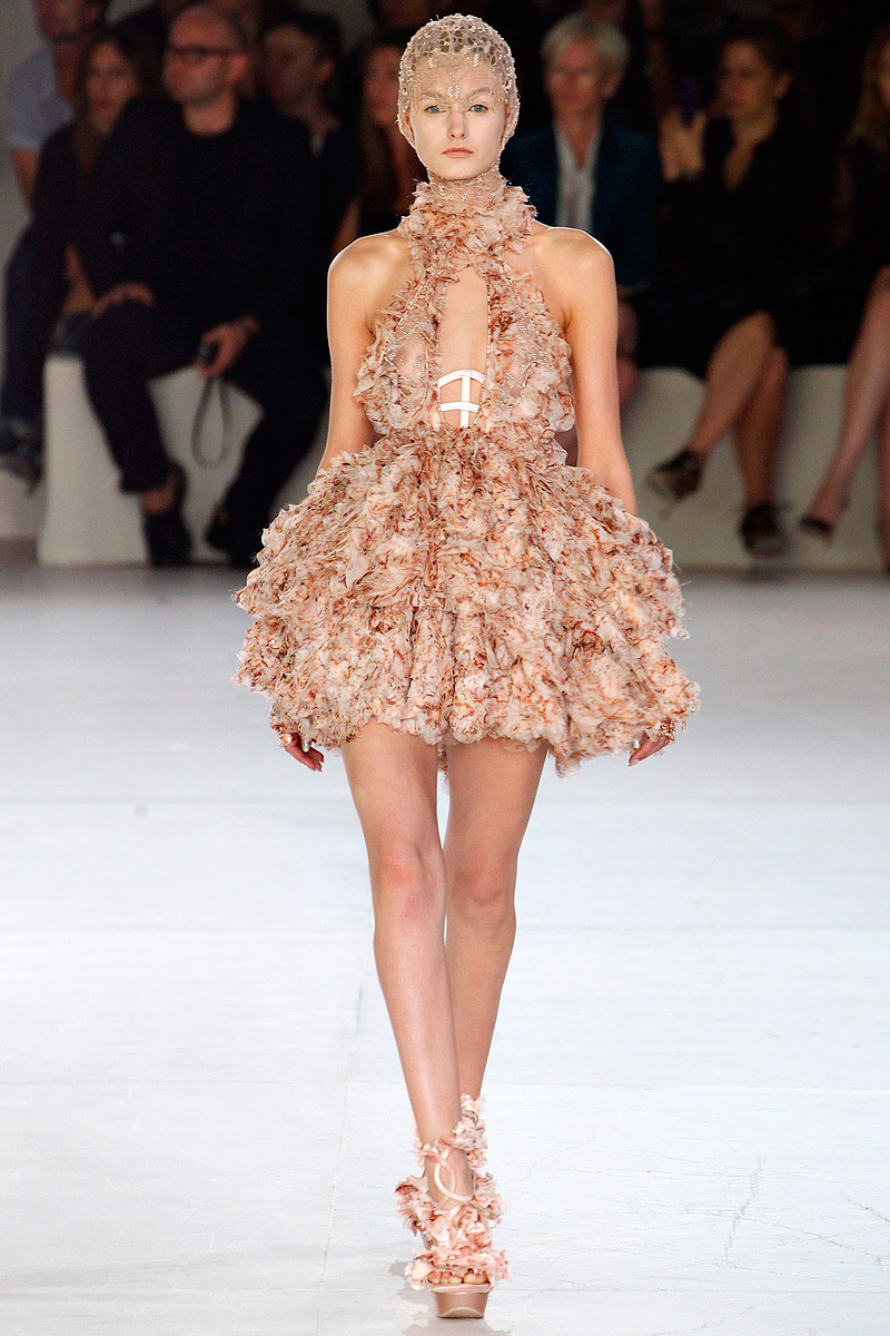 Alexander-mcqueen-sarah-burton-spring-2012-rtw-wedding-dress-halter-ruffles.full