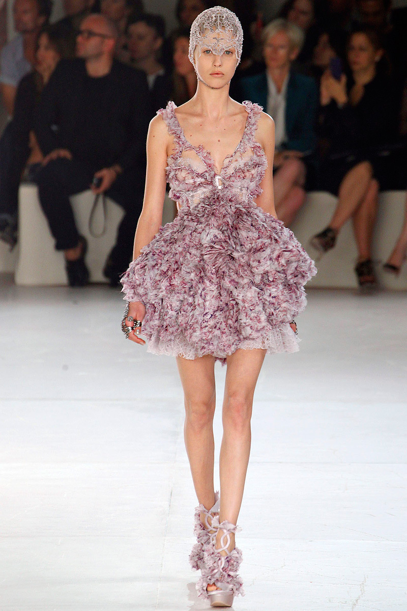 Alexander-mcqueen-sarah-burton-spring-2012-rtw-wedding-dress-textured-mini-dresses.full