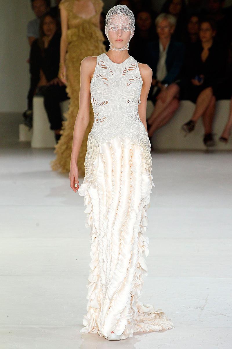Alexander-mcqueen-sarah-burton-spring-2012-rtw-wedding-dress-beaded-bridal-gown.full