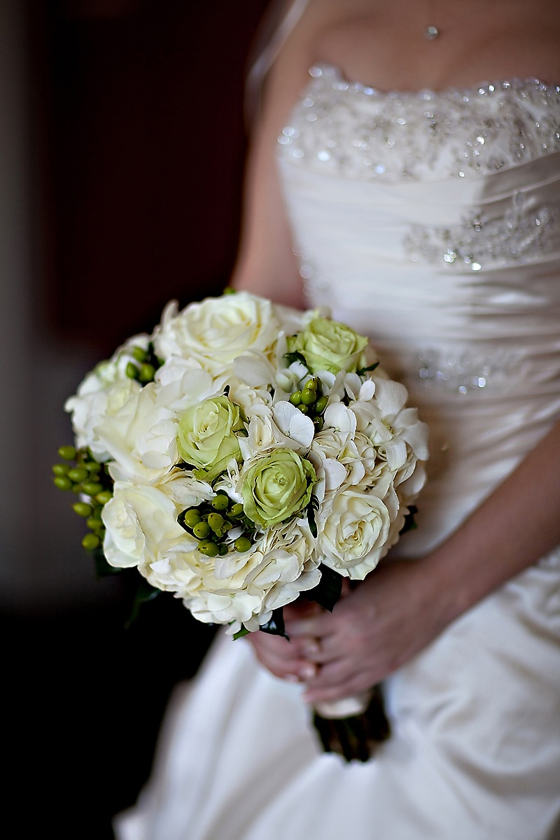 Traditional Wedding Flowers Pictures : Ivory beaded wedding dress and green bridal bouquet