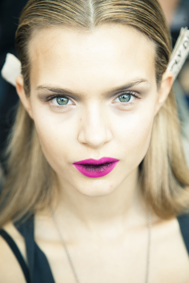 Wedding-makeup-inspiration-bold-lips-bridal-style.full