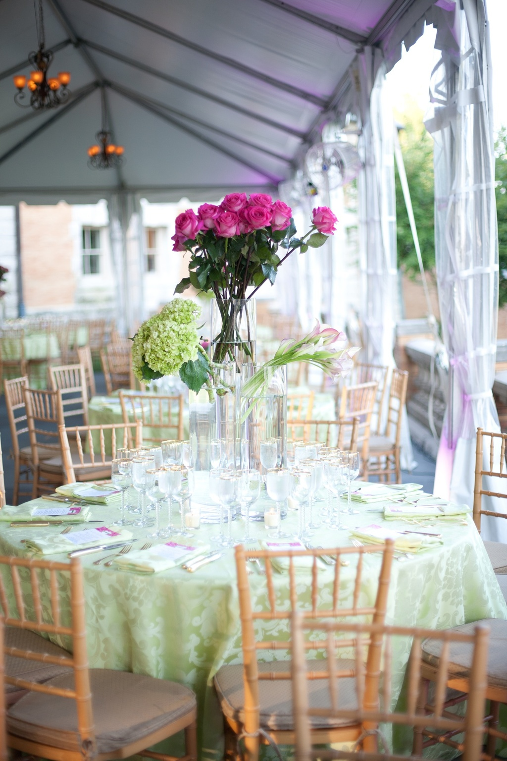 Outdoor-real-wedding-indian-cultural--nuptials-pink-green-wedding-flowers.full