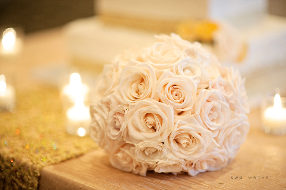 Ivory-wedding-flowers-elegant-bridal-bouquet.full