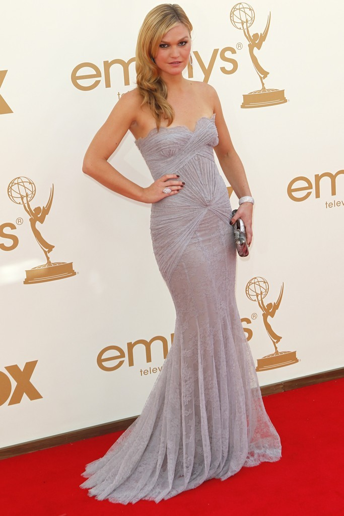 2011-emmys-romona-kevea-wedding-dress.full