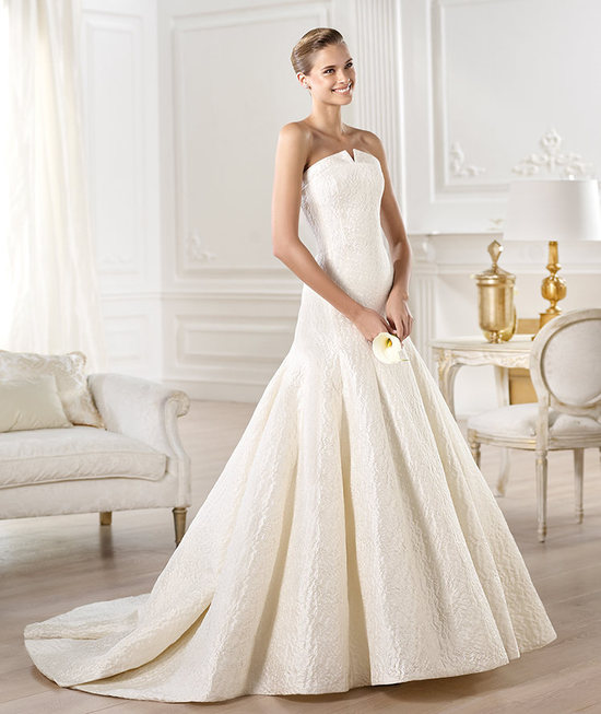 YENILET wedding dress by Atelier Pronovias 2014 bridal