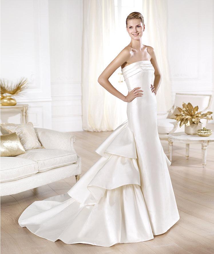 Yency-wedding-dress-by-atelier-pronovias-2014-bridal.full