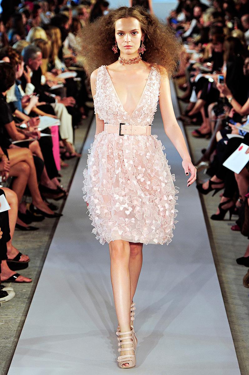 Oscar-de-la-renta-rtw-ss2012-v-neck-wedding-reception-dress.full
