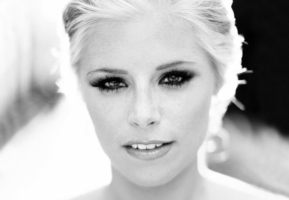 Bridal-beauty-portraits-dramatic-eyes.full