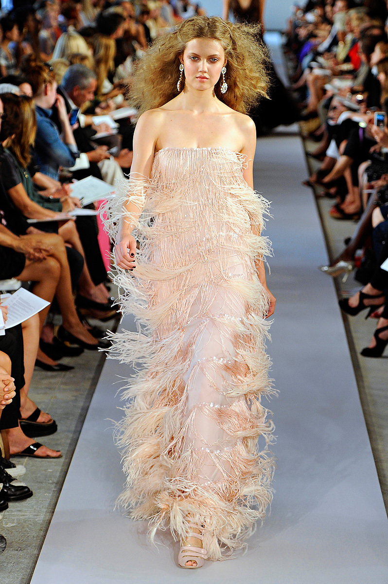 Oscar-de-la-renta-rtw-ss2012-vintage-inspired-wedding-dress.full