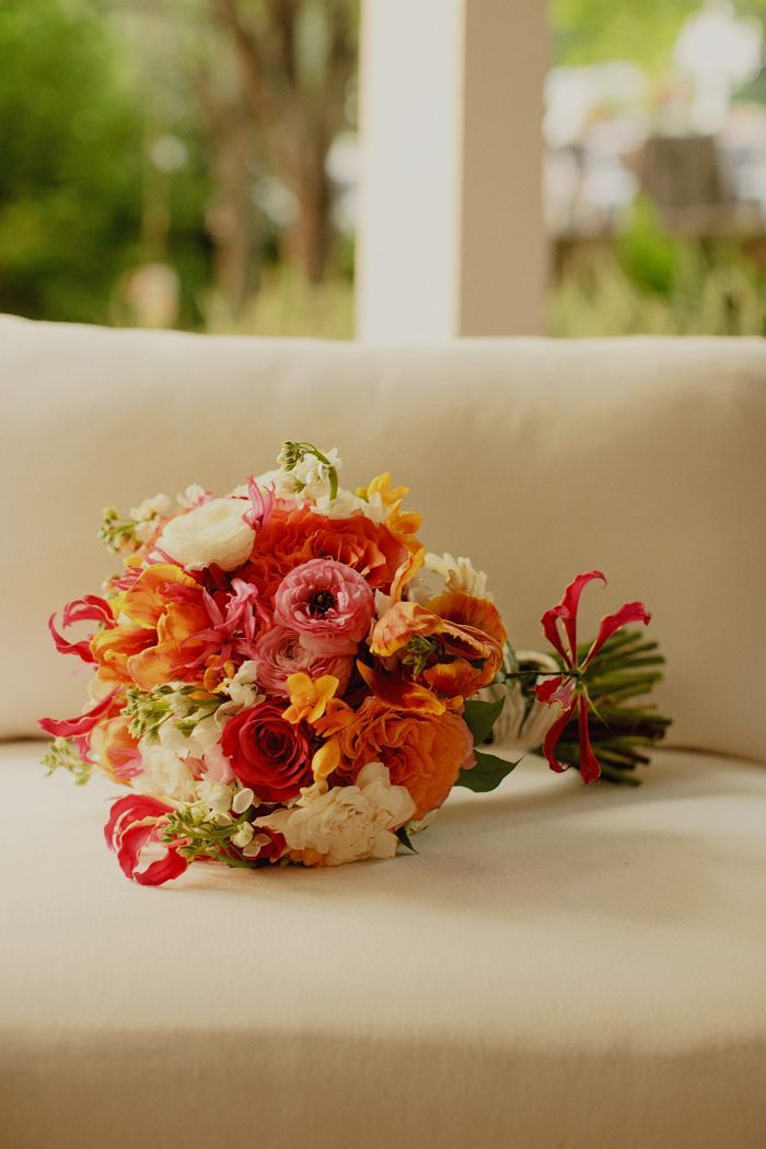 Elegant-outdoor-wedding-colorful-bridal-bouquet.full