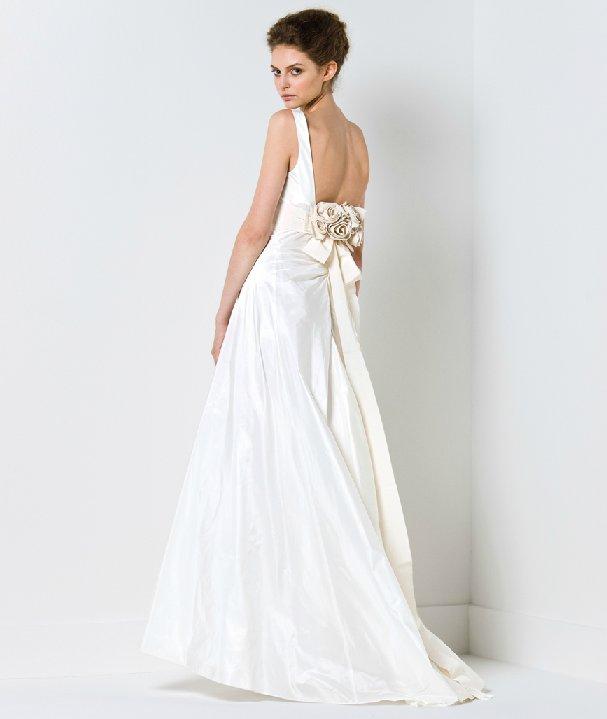 Max-mara-wedding-dress-2011-bridal-gowns-open-back.full