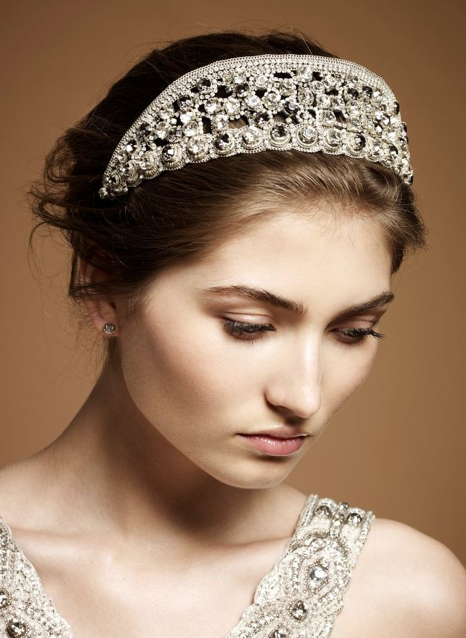 Regal Kate Middleton-inspired wedding headband
