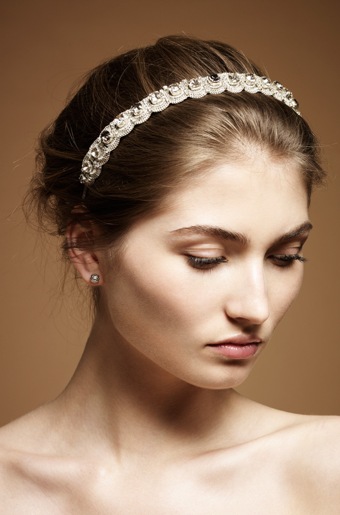 Onda-vintage-style-bridal-headdress-wedding-headband_0.full