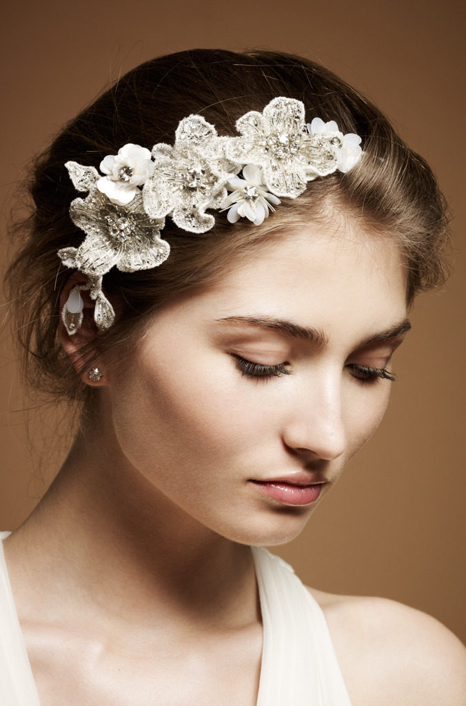Boho-bridal-style-wedding-hair-accessories.full