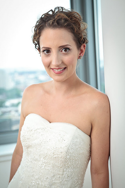 Curly Wedding Hairstyle and Simple Make Up