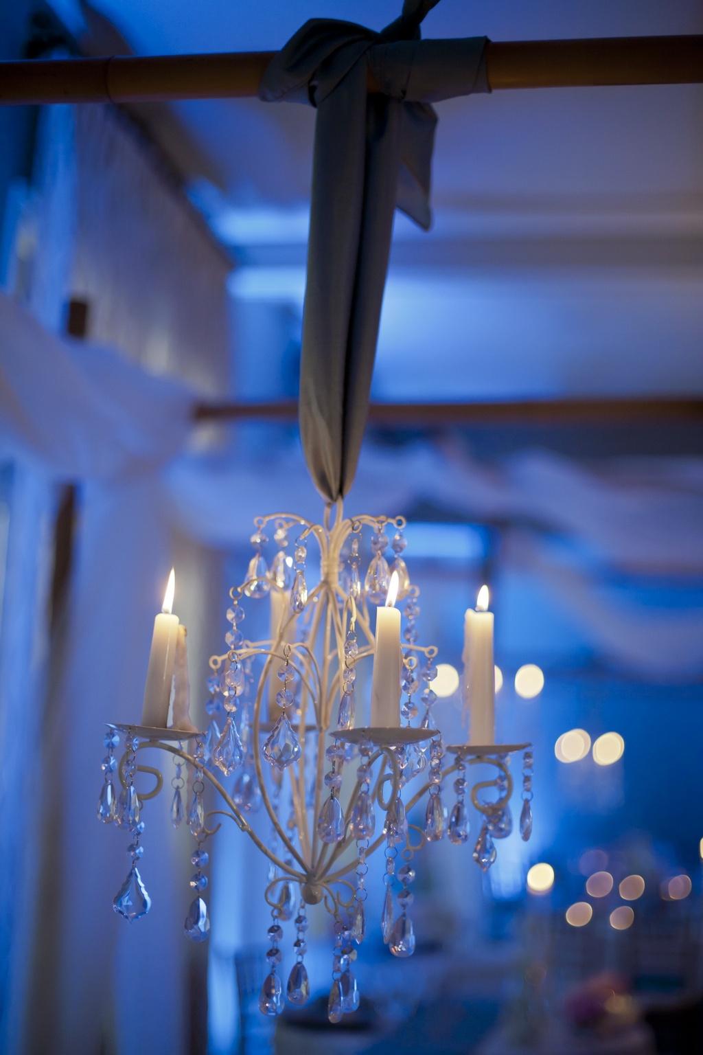Elegant-real-wedding-chandeliers-wedding-reception-decor.full
