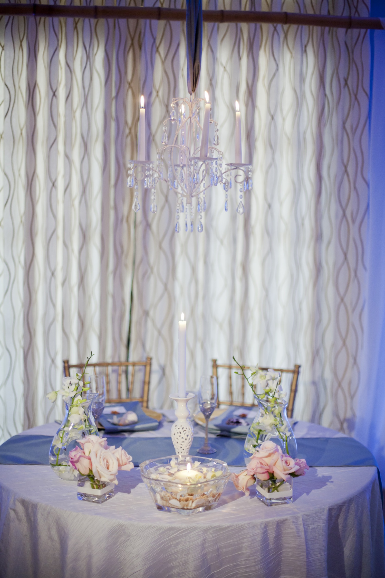 Beach-themed-real-wedding-sweetheart-table-wedding-reception-venue.original
