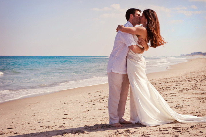 Romantic Beach Wedding Moments