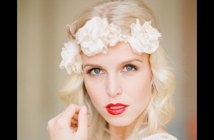 Bold red lips make a dramatic wedding statement- 3 ...