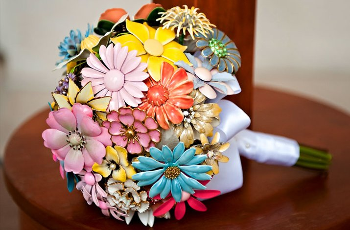 Colorful brooch bridal bouquet