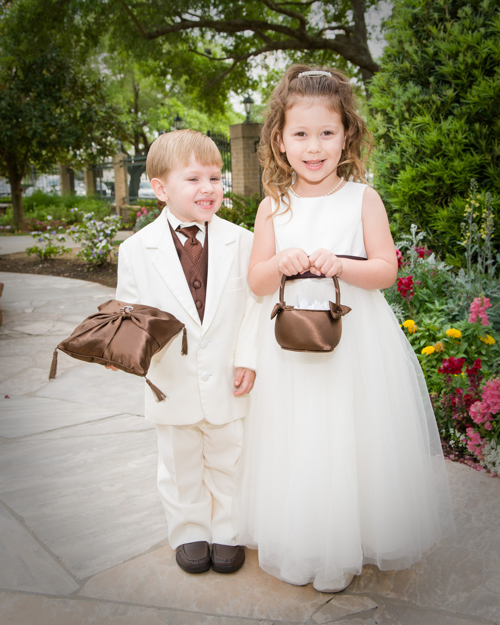 Outdoor Wedding Flower Girl