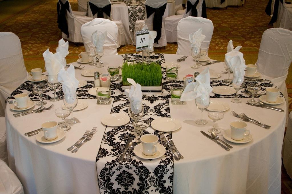 Classic modern table setting for Decor rent event woodbridge va