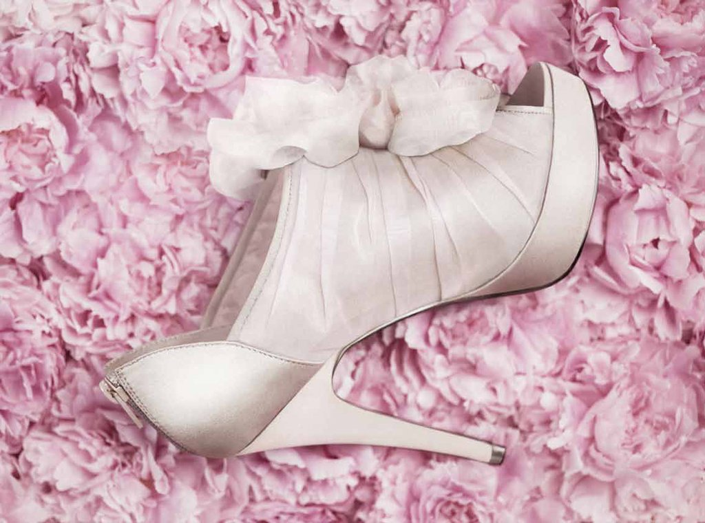 Affordable-wedding-shoes-white-by-vera-wang.full