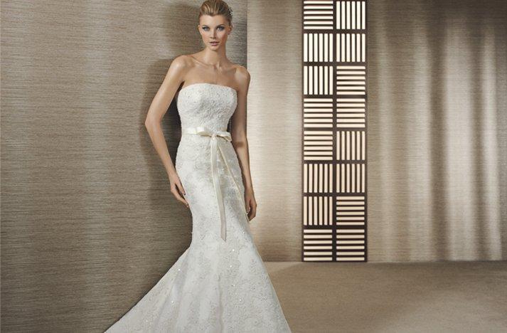 Lace-mermaid-wedding-dress.full