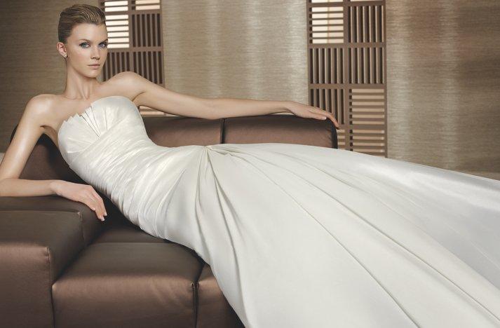 Classic-wedding-dress-w1-2.full