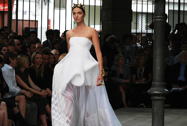 Givenchy Haute Couture White Wedding Dress With Houndstooth Pattern