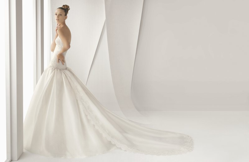 Featured-carousol-rosa-clara-wedding-dress.full