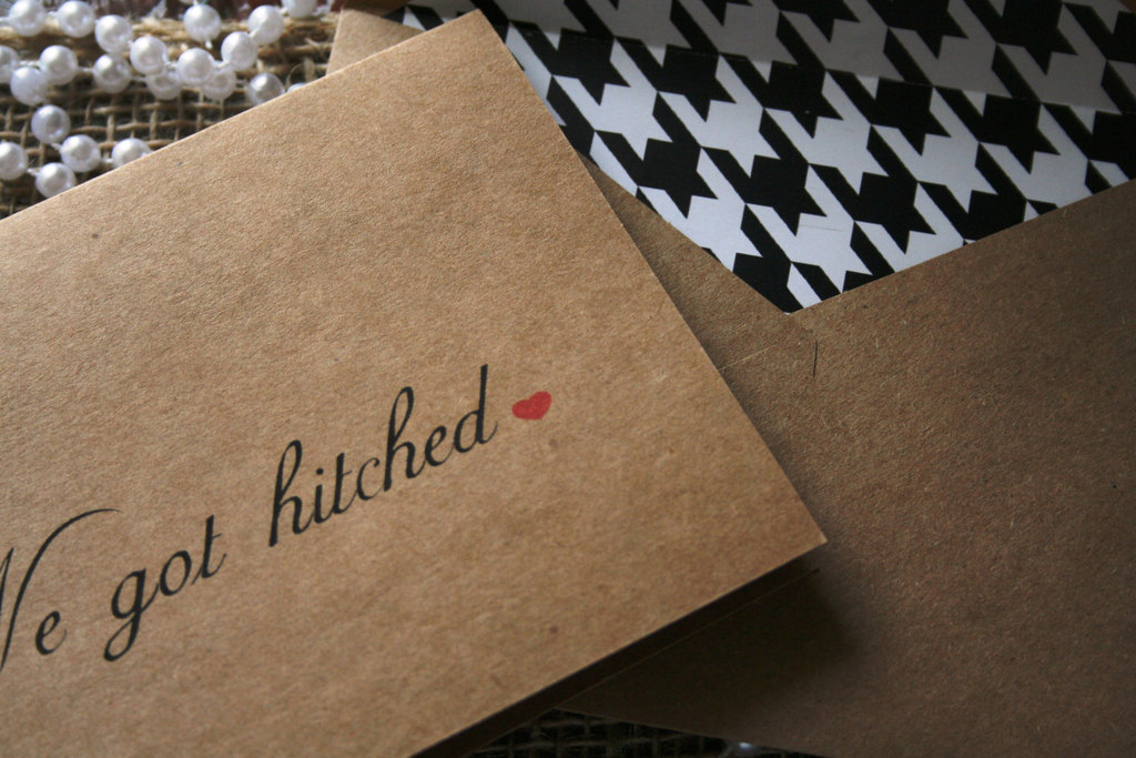 Kraft-paper-wedding-card-with-houndstooth-lined-envelope.full